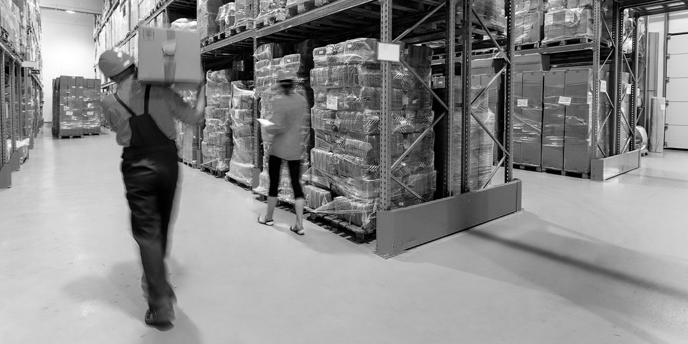 warehouse-workers-hero-stock-image-1000px.png